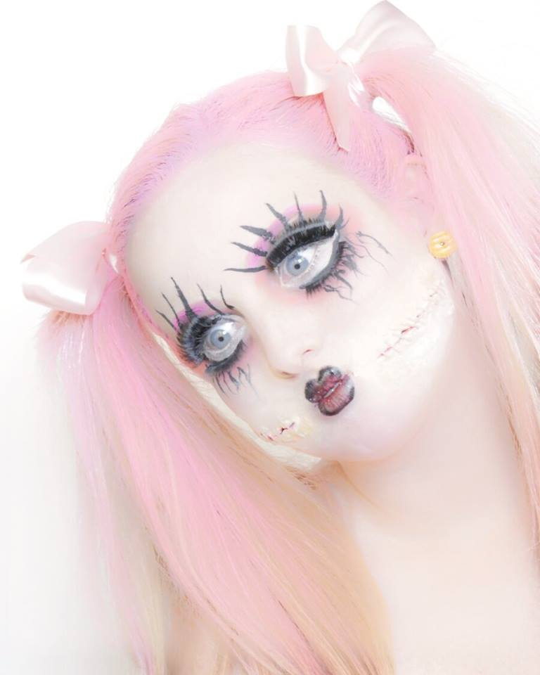 Femme Chic Beauty – Creepy Baby Doll Makeup