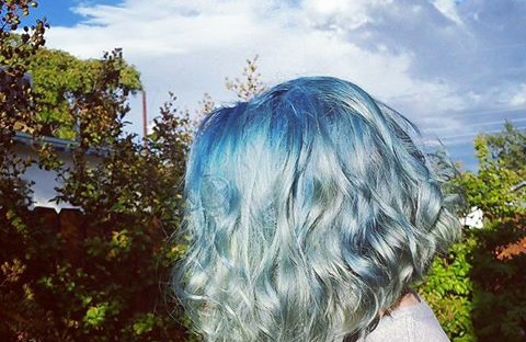 An icy bob with beautifully blended silver and blue chrome color that really shines to bring out that cool tone feel.